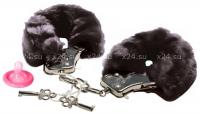 Наручники меховые Love cuffs черный