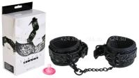 Черные виниловые наручники Sinful Wrist Cuffs