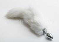 Малая металлическая пробка с белым хвостом