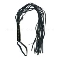 Плетка с рельефной ручкой черная