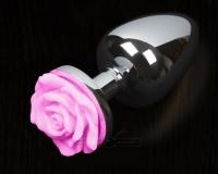 Маленькая серебряная пробочка с розовой розой