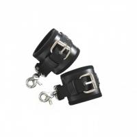 Мощные наручники с карабинами из эко кожи и мягкой опушкой внутри Джага