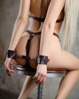 Кожаные наручники цвета бордо BDSM Арсенал