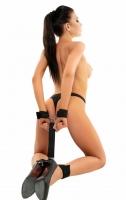 Фиксация руки-ноги со стропами и карабинами