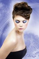 Ресницы черные с голубыми блестками