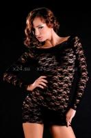 Кружевное черное платье с длинным рукавом